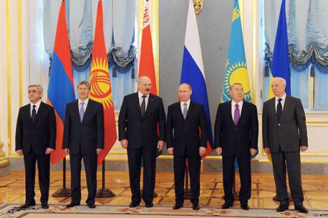Possible members of the Eurasian Union, including President Almazbek Atambaev of Kyrgyzstan, 2nd from left.